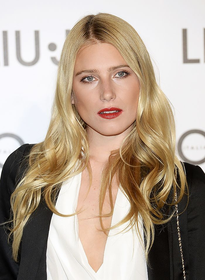 Dree Hemingway's long, loose waves = hair goals