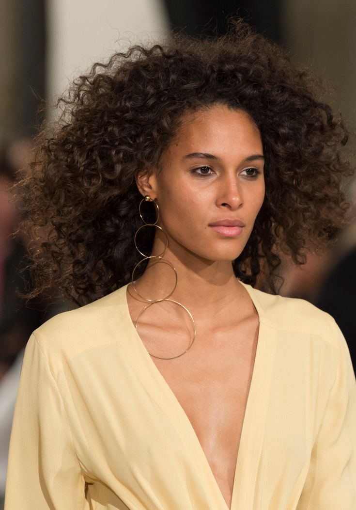 This Vintage Makeup Trend Is Back, and Your Mom Will Be Psyched - Jacquemus from...