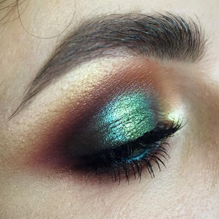Makeup of the day pick goes to Tominamakeup.  Stunning.  Get this look with Shee...