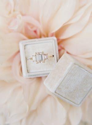 PHOTOGRAPHY Carlie Statsky EVENT DESIGN LVL Weddings & Events RENTALS Found Vint...