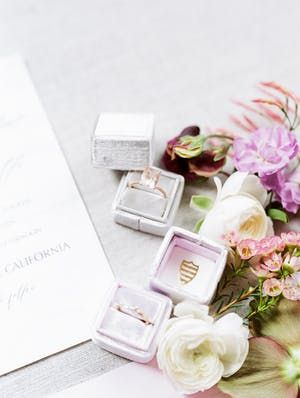 VENDOR CREDITS PHOTOGRAPHY Jasmine Lee Photography | FLORAL AND EVENT DESIGN Nan...