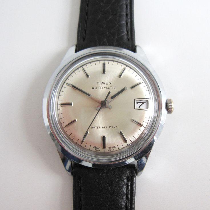 Maten en Cijfers - De diameter van horlogekast, inclusief de kroon is 39,5 mm. -...
