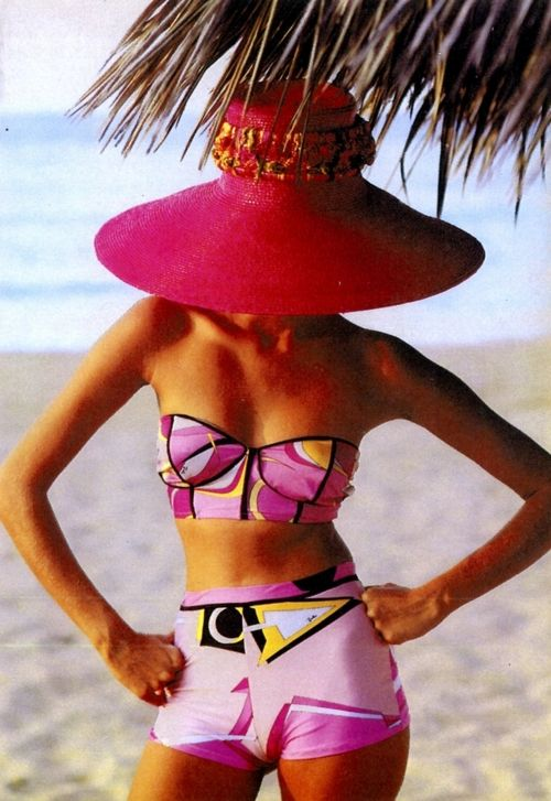 #pucci at the beach... vicki.fr/1qo4Z9k