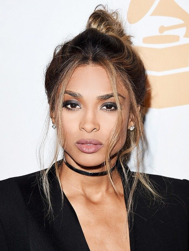 Ciara's loose strands and smoky eye makeup are so gorgeous