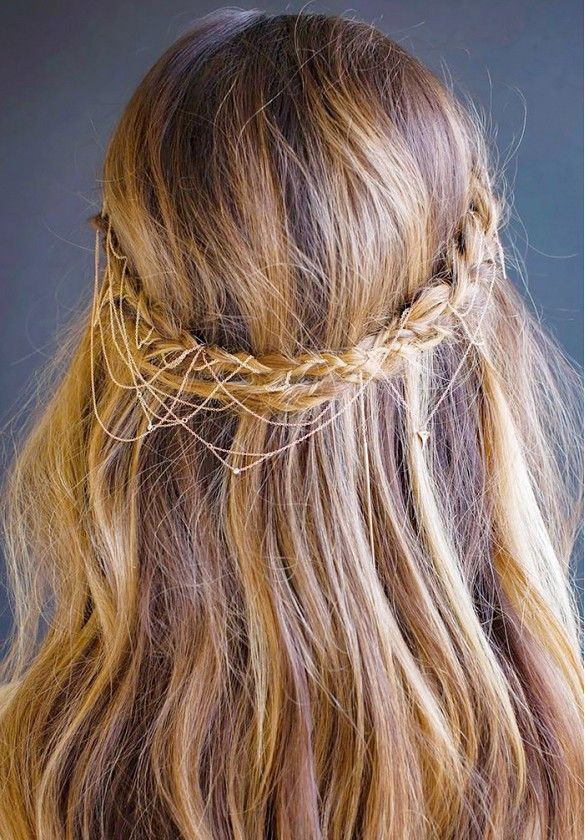 Dangling necklaces braid