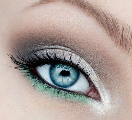 20 Incredible Makeup Tutorials For Blue Eyes. Love these colors for green eyes t...