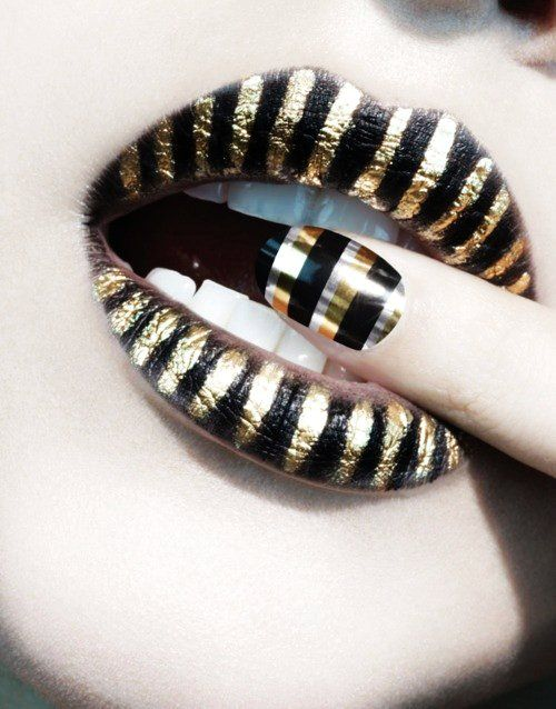 nail art and lips art  #lips #sexy #girls www.loveitsomuch.com