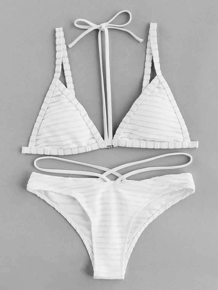 ¡Cómpralo ya!. Textured Stripe Halter Strap Bikini Set. White Bikinis Sexy Vac...