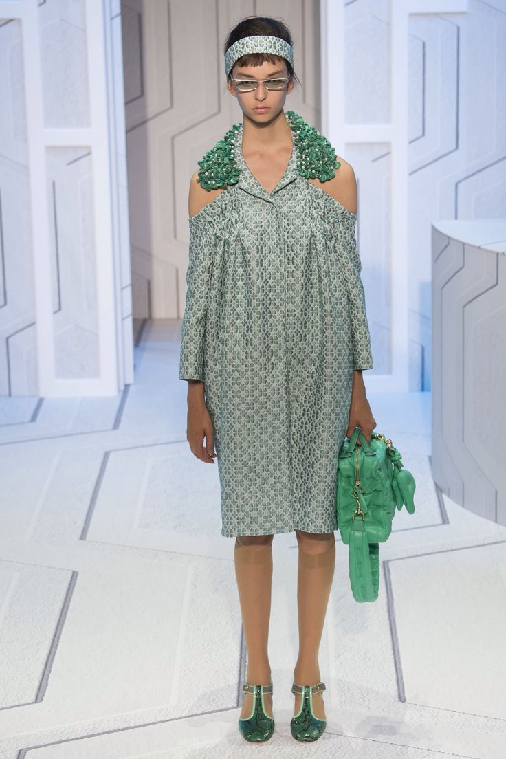 Anya Hindmarch Spring 2018 Ready-to-Wear Fashion Show Collection