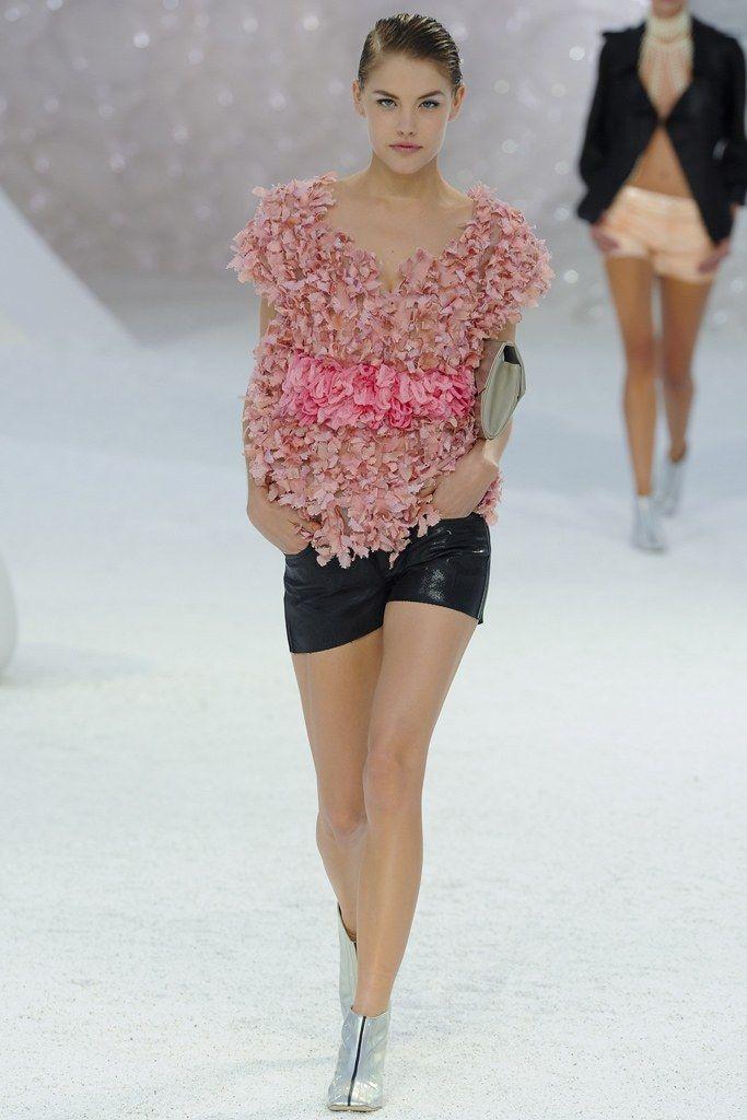 Chanel Spring 2012 Ready-to-Wear Fashion Show