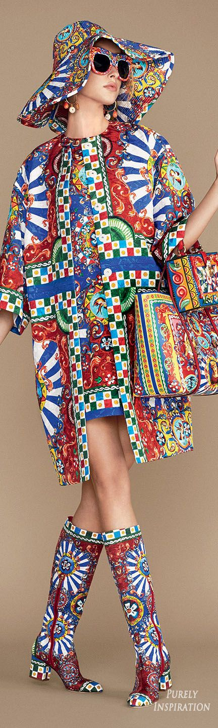 Dolce & Gabbana SS2016 Carretto Siciliano Women's Fashion RTW | Purely Inspi...