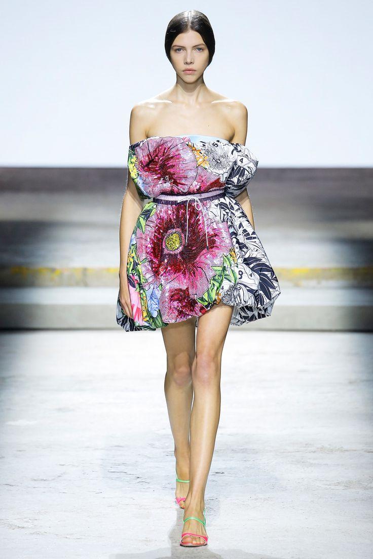 Mary Katrantzou Spring 2018 Ready-to-Wear Fashion Show Collection