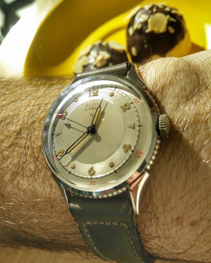 Absolutely mint 1952 stainless Elgin bumper. Original band. Love it when they ar...