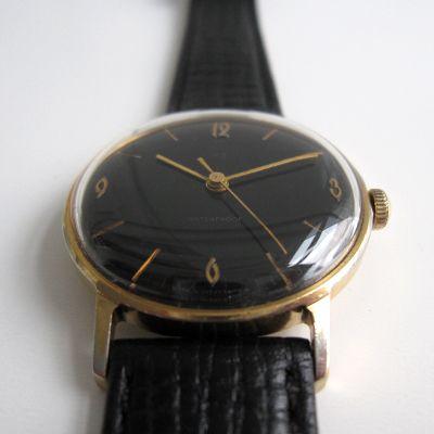 Maten en Cijfers - De diameter van horlogekast, inclusief de kroon is 36 mm. - D...