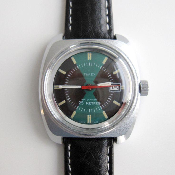 Maten en nummers De diameter van horlogekast inclusief de kroon is 35,5 mm. De d...