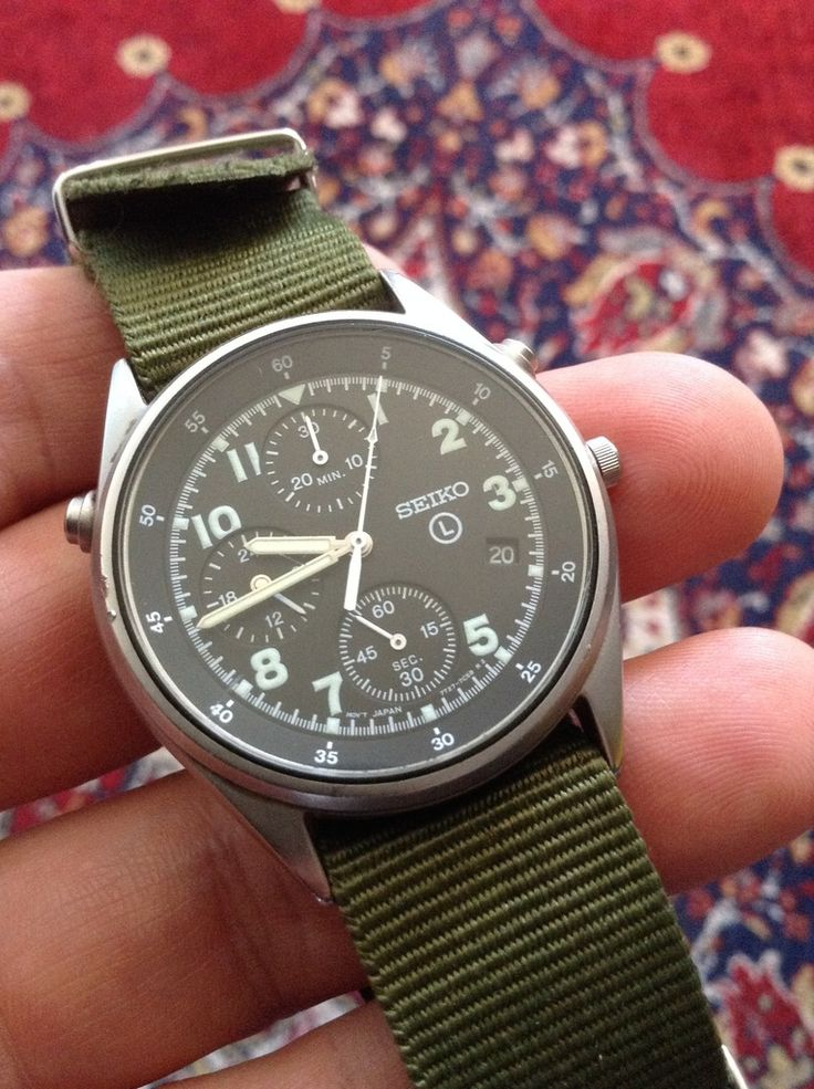 Swedish military watch SEIKO 7T27-7A20 A6 - A watch used by the Swedish air forc...
