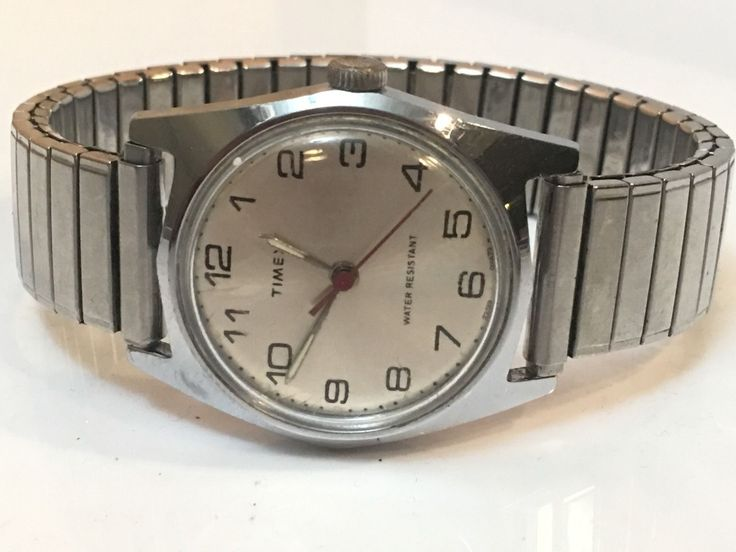 Vintage timex men's watch . This watch is pre owned. This watch is from the ...