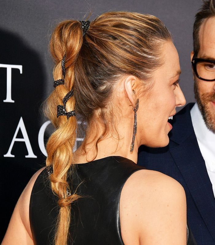 Bored with your go-to ponytail? Click here for 15 messy ponytails courtesy of ou...