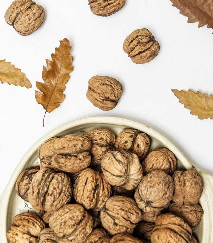 foods for longer hair: walnuts