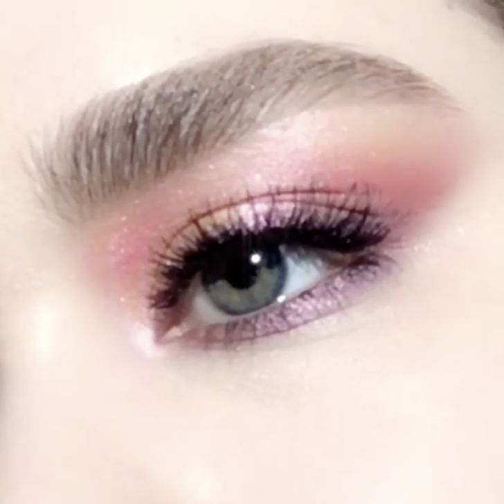 #PMGHowTo : La Vie En Rose video tutorial — learn how to create this shimmerin...