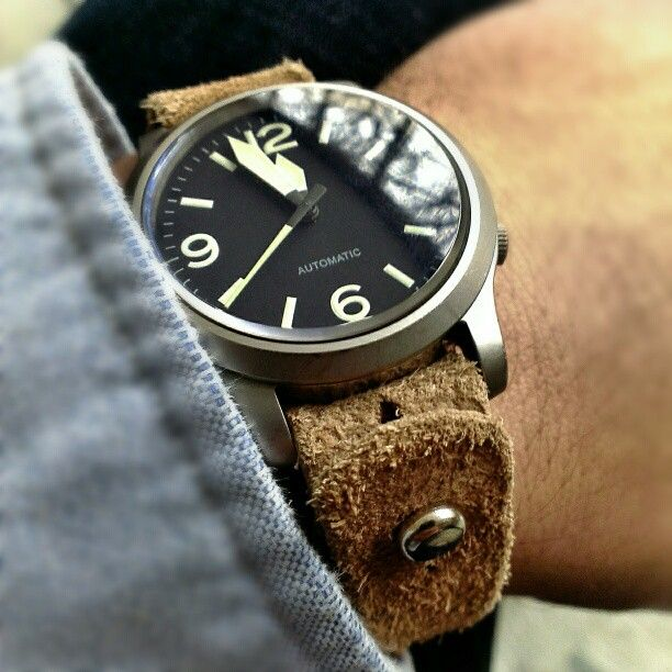 Beautiful Vintage Military Style Watch!!! Love This One.
