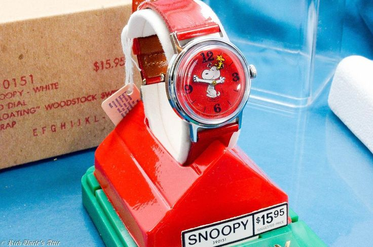 NEW VINTAGE TIMEX MIDSIZE SNOOPY FLYING HIS DOG HOUSE WITH WOODSTOCK WATCH NIB  ...