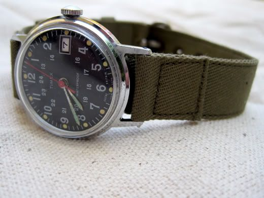 Vintage automatic Timex. Closer to the models that were issued to troops during ...