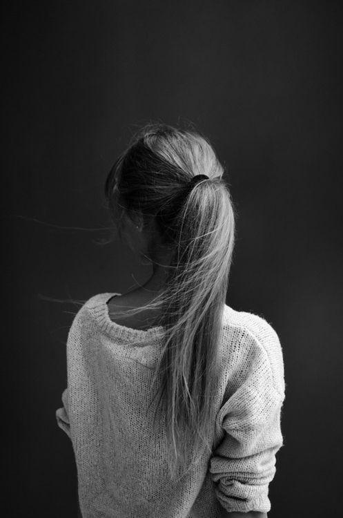 Classic ponytail (via Jenn Sasso) // #hair #ponytail
