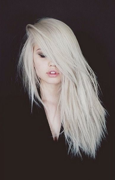 Gorgeous blonde hair (via LeFashion) // #hairspiration