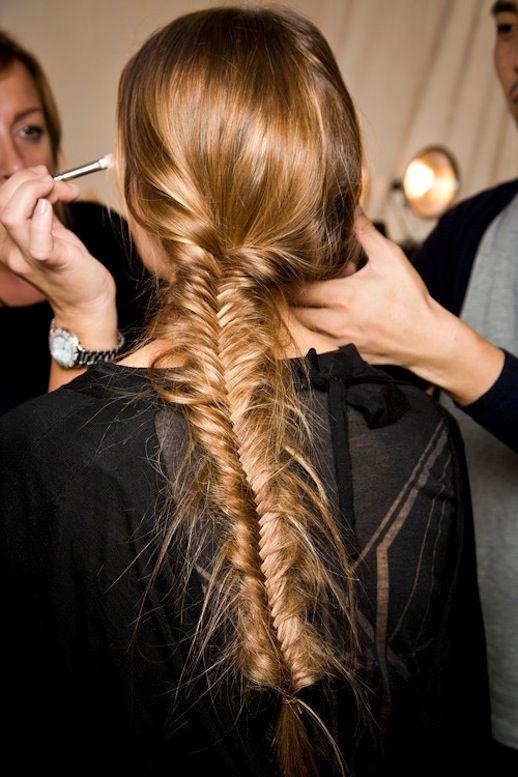 Long fishtail braid (via LeFashion)