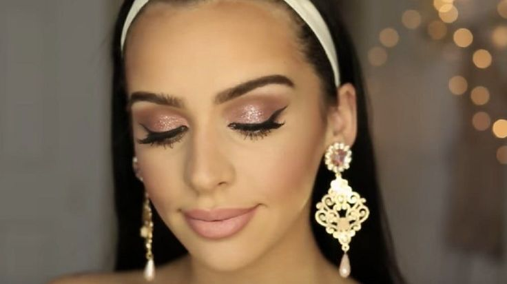 Are you thinking of ways on how to do your rose gold makeup? Rose gold is always...
