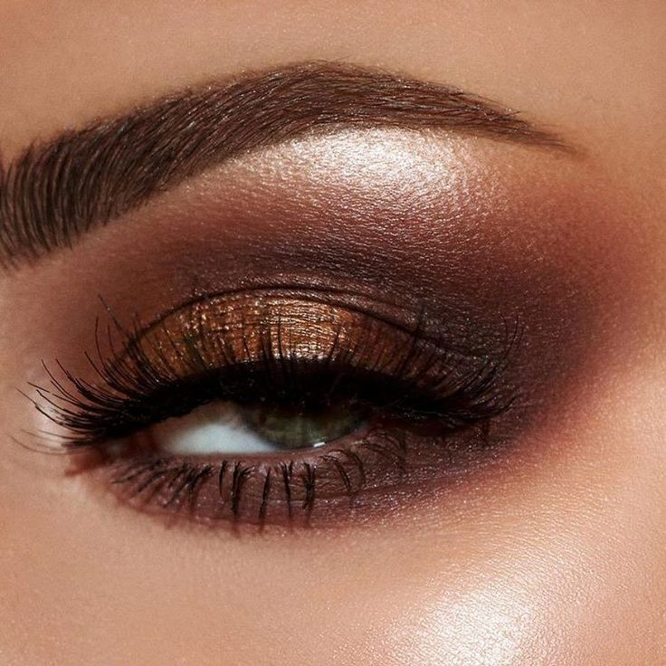 For PAT McGRATH wearing the MTHRSHP Bronze Metal Palette  Anastasia Beverlyhills...