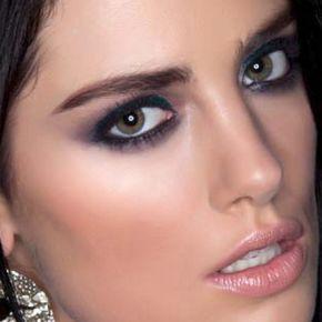 How to do smokey eye makeup...christmas smokey eye make up & smokey eye shadow t...