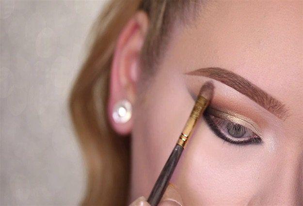 Kim Kardashian's Sexy Smokey Eye | Eyeshadow Tutorials For All Makeup Junkies ...
