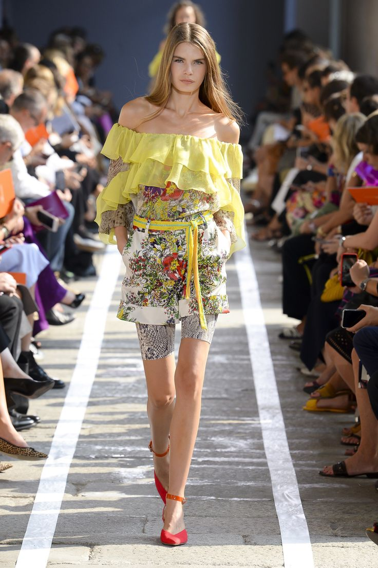 Blumarine Spring 2019 Ready-to-Wear Fashion Show Collection: See the complete Bl...