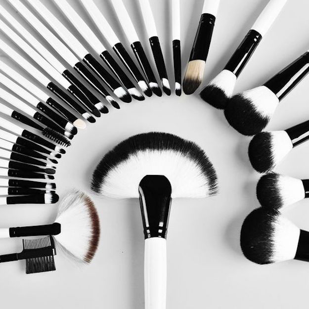 A Beginner's Guide to Makeup Brushes | Makeup Tutorials for Beginners | Everyt...