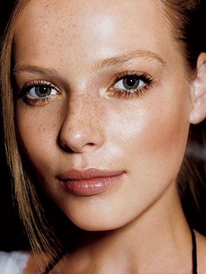 Evening Beauty: 3 Natural Prom Looks to Get Inspired By
