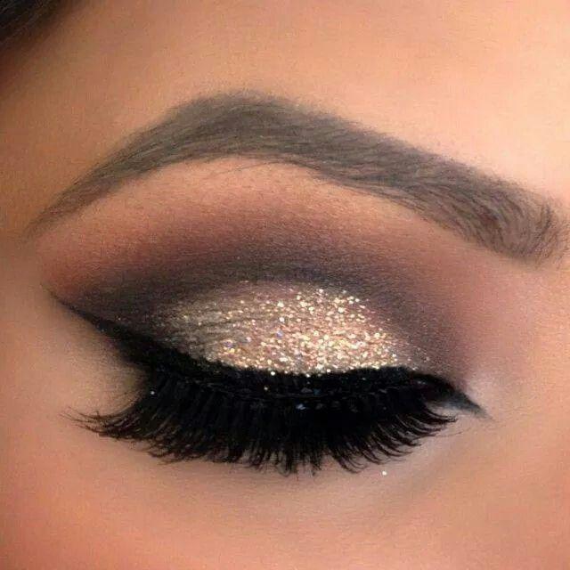 Makeup Ideas: Eye makeup doré et noir  Pour plus dastuces beauté rendez-vous s...