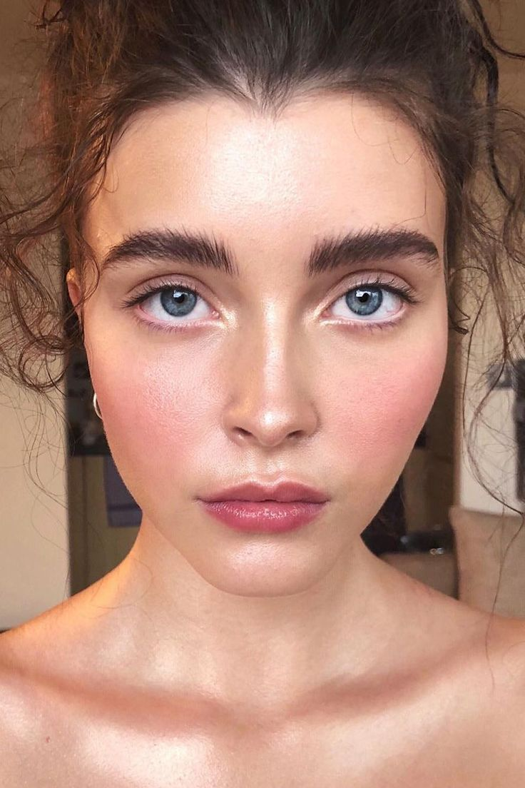 You'll be seeing these six makeup trends in the spring.