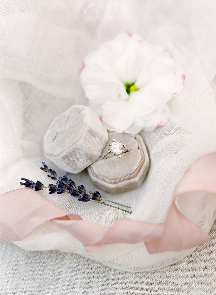 Our Top 15 Picks for the Best Engagement Rings of 2018 | Photography: Sophie Ept...