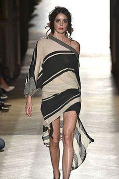 Du bist auf der Suche nach stylischen und trendigen Outfits für die kalten Wint...