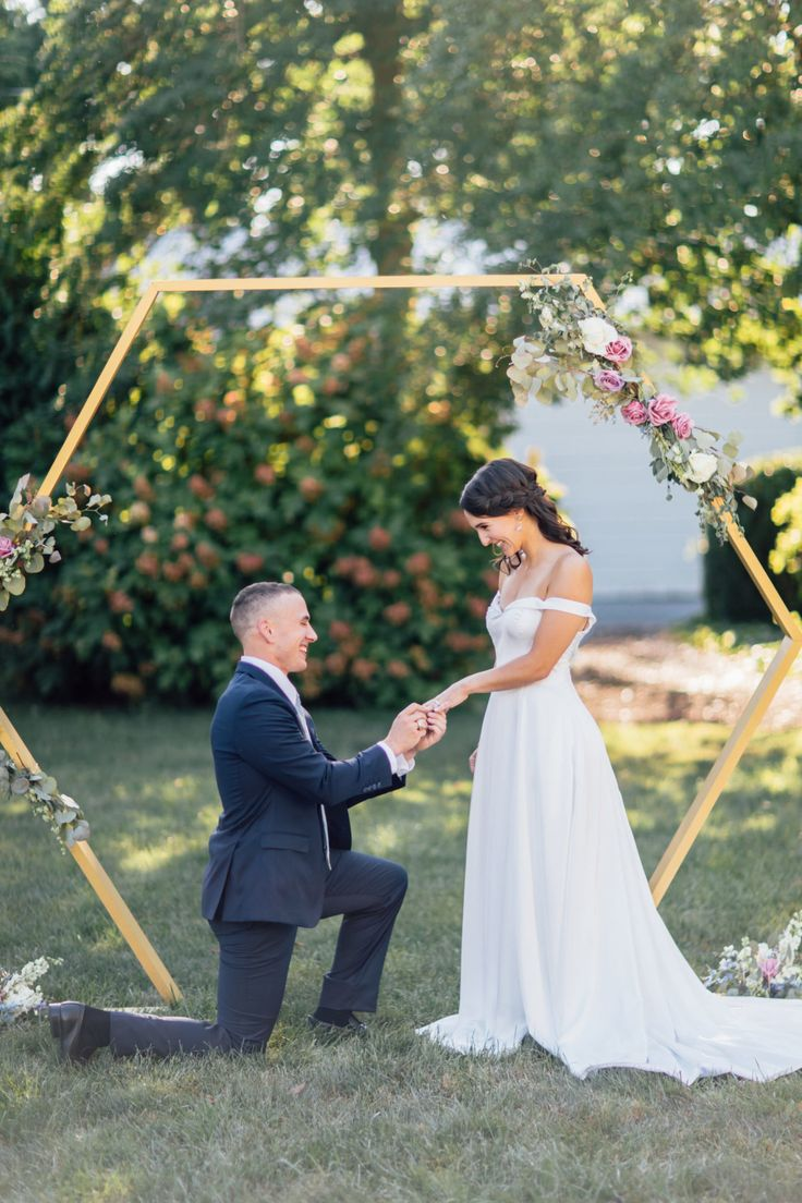 The Top 10 Most Epic Proposals of 2018 | Photography:   HannahLane Photography |...