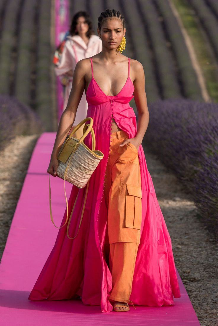 Don't Miss the Photos (or the Accessories) From This Beautiful Jacquemus Show in a Lavender Field