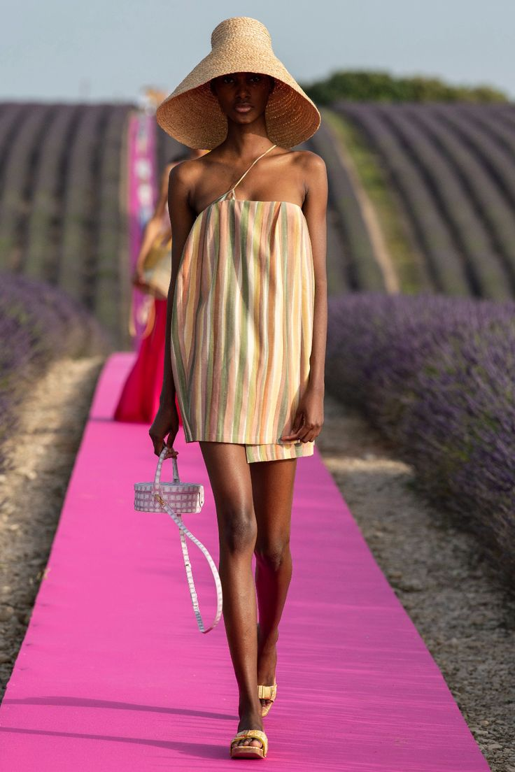 Jacquemus Spring 2020 Ready-to-Wear Fashion Show