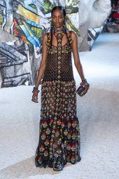 Alexander McQueen Spring/Summer 2019 Women's Ready-to-Wear Collection